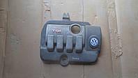 Декоративная крышка мотора Volkswagen Sharan, 7M3103925C