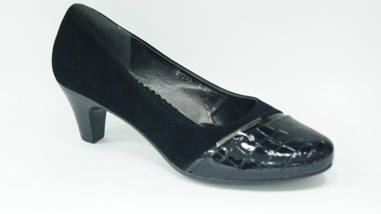 Женские туфли на устойчивом каблуке