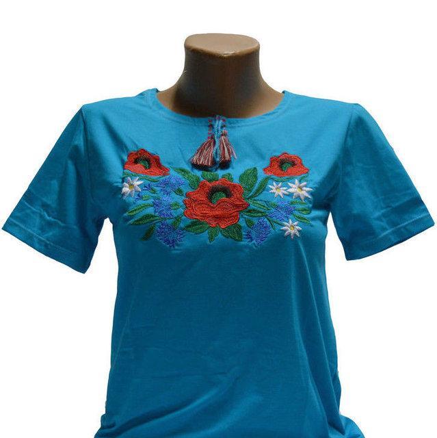 Блакитна трикотажна футболка з вишивкою Волошки