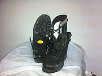 Взуття LOWA Vibram Garmoont  б.в.