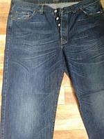 Классические синие джинсы большого размера. Италия