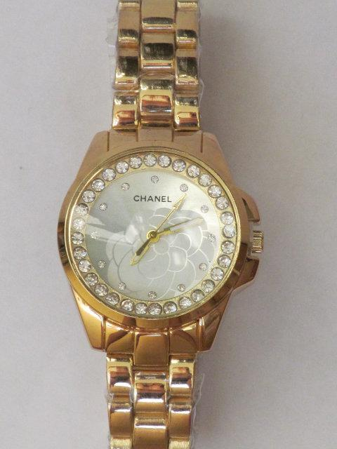 Часы женские наручные Chanel золотистые, Шанель на руку для женщины для девушки стрелочные кварцевые