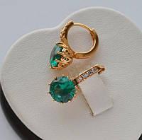 Серьги-кольца Xuping покрытие золотом 18к. с зелеными круглыми цирконами