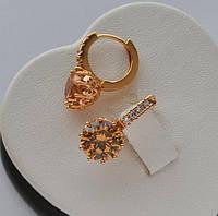 Серьги-кольца Xuping покрытие золотом 18к. с круглыми цирконами цвет шампань