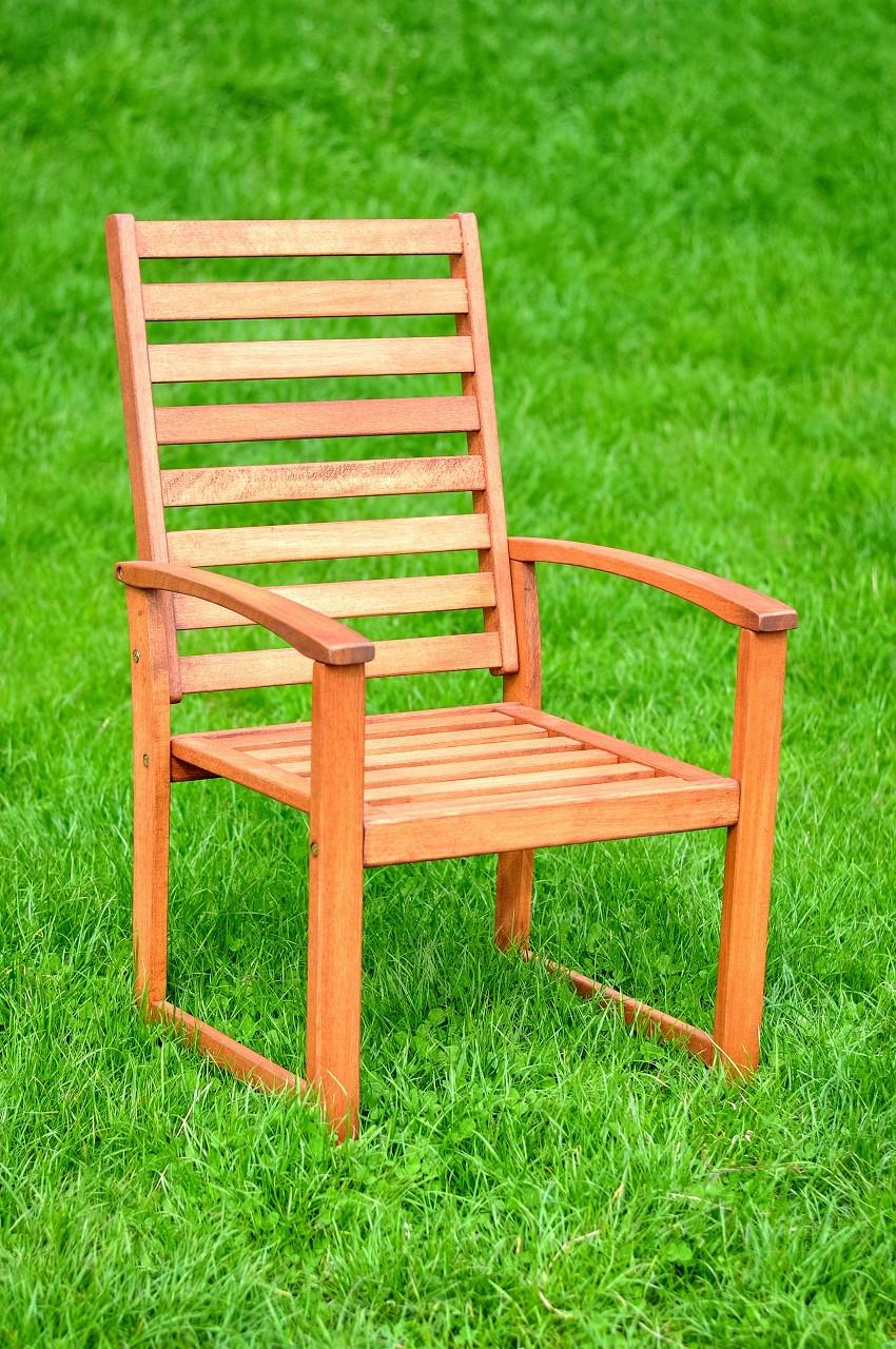 Кресло из дерева Марсель