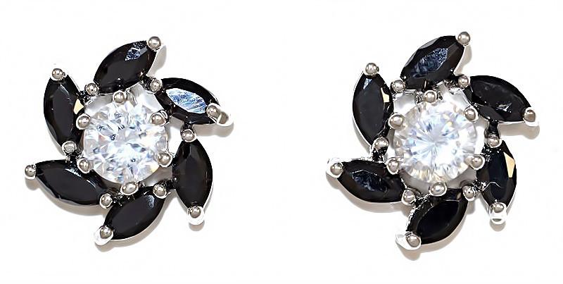 Серьги гвоздики.Камень: чёрный и белый циркон. Родий. Диаметр серьги 12 мм.