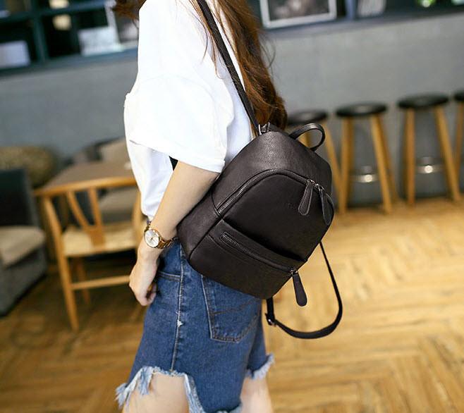 Стильный черный рюкзак MIRFNE