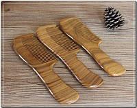 Натуральная деревянная расческа из сандала