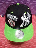 Бейсболка New York (чёрная с салатовым)