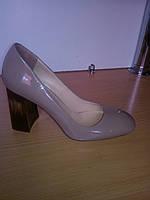 Туфли женские весна-осень нарядные из лаковой кожи светло кофейного цвета