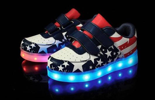 Топ продаж Детские Светящиеся кроссовки лед LED (Американский флаг) Летние  ( со светящейся LED подошвой) 73bbada9a7e