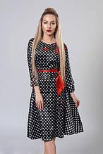 Красивое повседневное платье из атласа с вышивкой