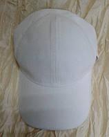 Белая бейсболка из мелкого вельвета (57-59)