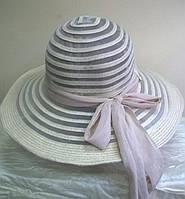 Модная  шляпа из текстильной ленты  бежевого цвета