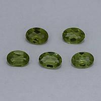 Перидот/хризолит овал 5х7 мм. 0,70 карат