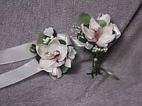 Свадебные бутоньерки для свидетелей (бутоньерка и цветочный браслет) розовые орхидеи
