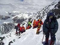 С каким снаряжением покоряли вершины первые в мире скалолазы