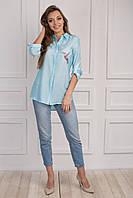 Красивая летняя блуза из вискозы с вышивкой на груди