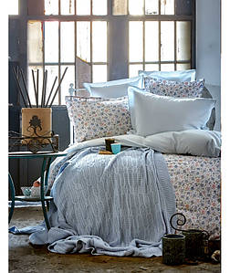 Набор постельного белья с пледом Karaca Home Freya голубая