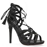 Черные босоножки с задником на каблуке