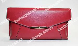 Женский клатч красного цвета