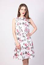 Красивое повседневное платье А-силуэта с цветами