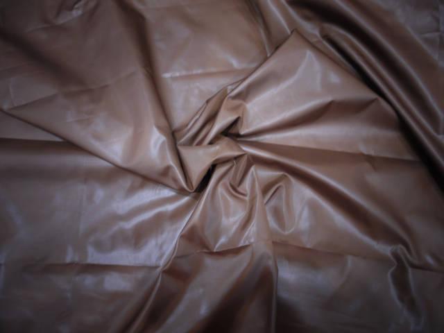 Плащевка лаке светло коричневый