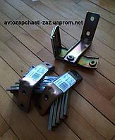 Кронштейн трубы приёмной 1102-1203120 автомобилей таврического семейства. Кронштейн штанов ЗАЗ-1103 Славута
