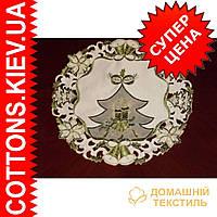 Нежная кружевная  новогодняя салфетка с зеленой вышивкой   30*30 Елочка
