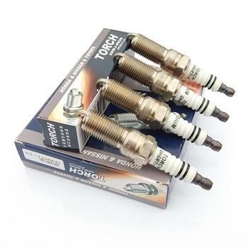 Замена свечей зажигания 4 шт. (со снятием коллектора)