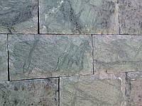 Кирпичек рустованный из мрамора (гватемала)( темно зеленый)  6хL ,10хL индия