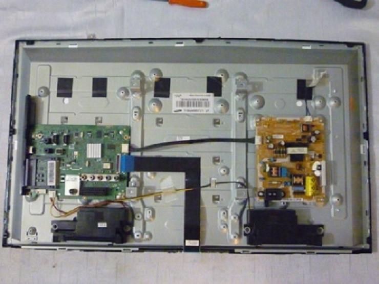 Платы от LED TV Samsung UE32EH4000WXUA  поблочно или в комплекте (разбита матрица).