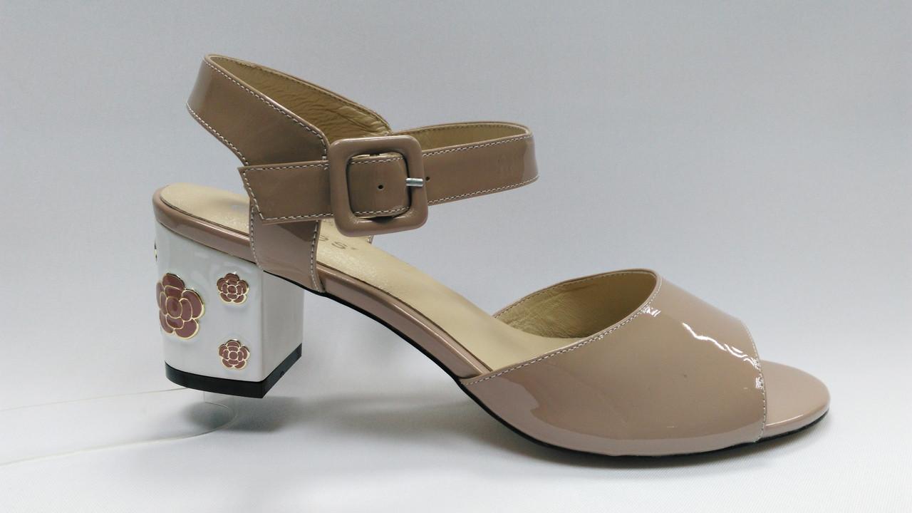 Кожаные лаковые босоножки на каблуке. Erisses. Большие размеры ( 40 - 43 ).