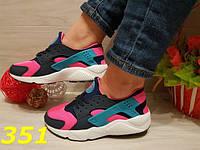 Хуарачи цветные со значком кроссовки женские