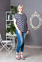 Женская блуза с ярким цветочным принтом