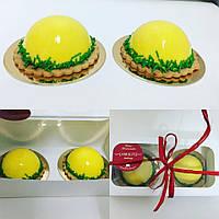 Пирожные на заказ с зеркальной глазурью вишня-банан