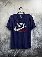 Темно-синя мужская футболка Nike Sportswear