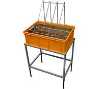 Стол для распечатывания сот с ванночкой пластмассовой высота 200 мм, сито нержавеющая сталь