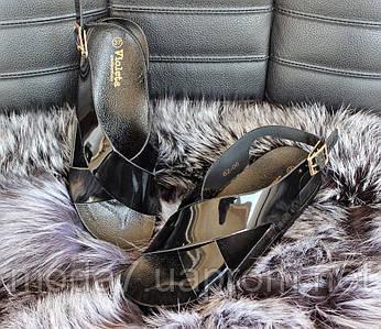 Женские стильные босоножки черные