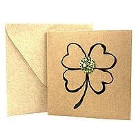 """Открытка """"Клевер"""" из крафт картона декорированная блестками + конверт"""