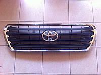 Черная решетка радиатора Тойота Крузер 200