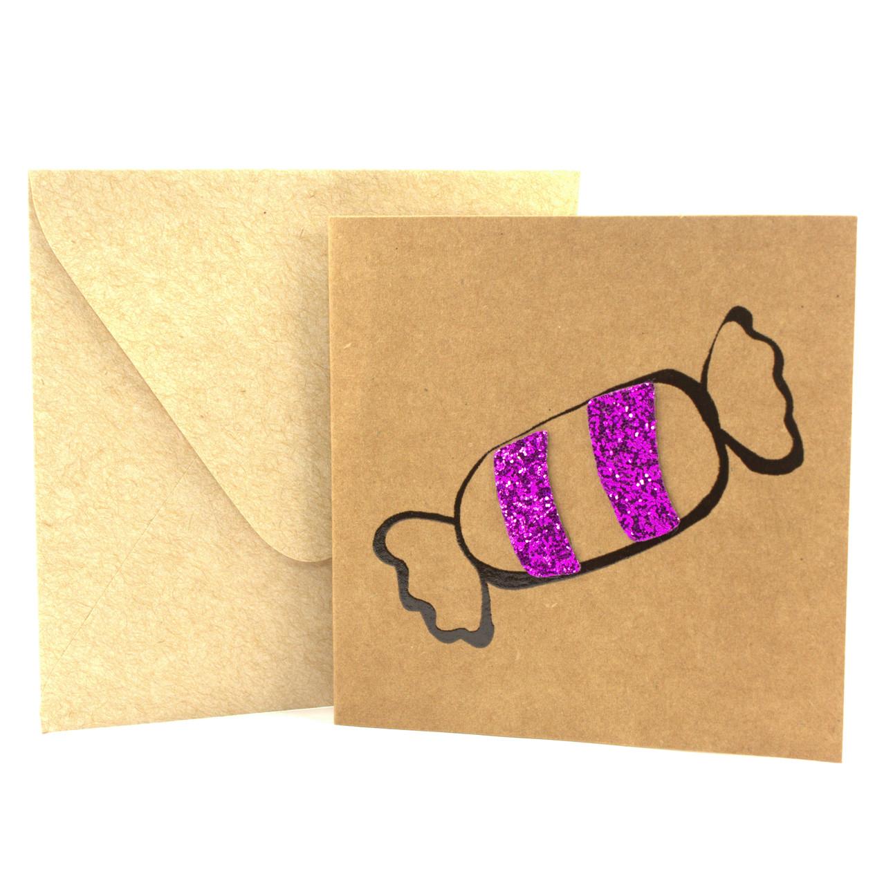 """Открытка """"Конфетка"""" из крафт картона декорированная блестками + конверт"""