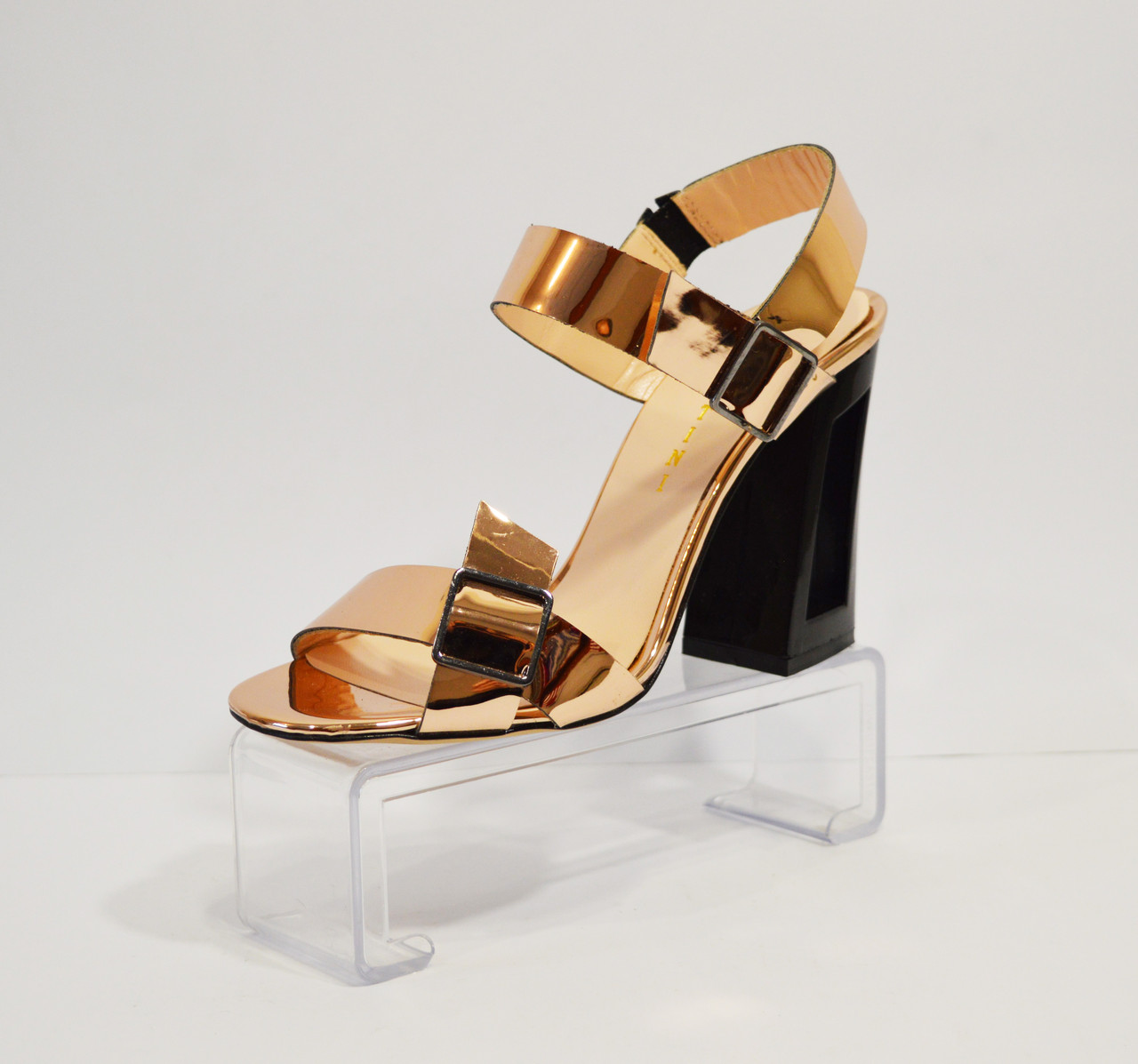 Босоножки золотистые на каблуке Lottini 11-148