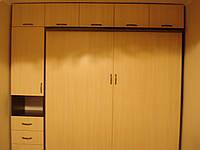 Встроенная кровать-шкаф