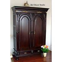 Замечательный стильный шкаф (гардероб)