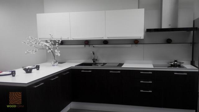 Кухня из эбенового дерева
