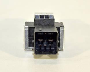 Реле свечей накала (8 контактов) на  Renault Dokker 2012-> 1.5dCi — RENAULT (Оригинал) - 110678071R