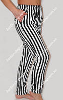 Стильные летние брюки в черно-белую полоску   950
