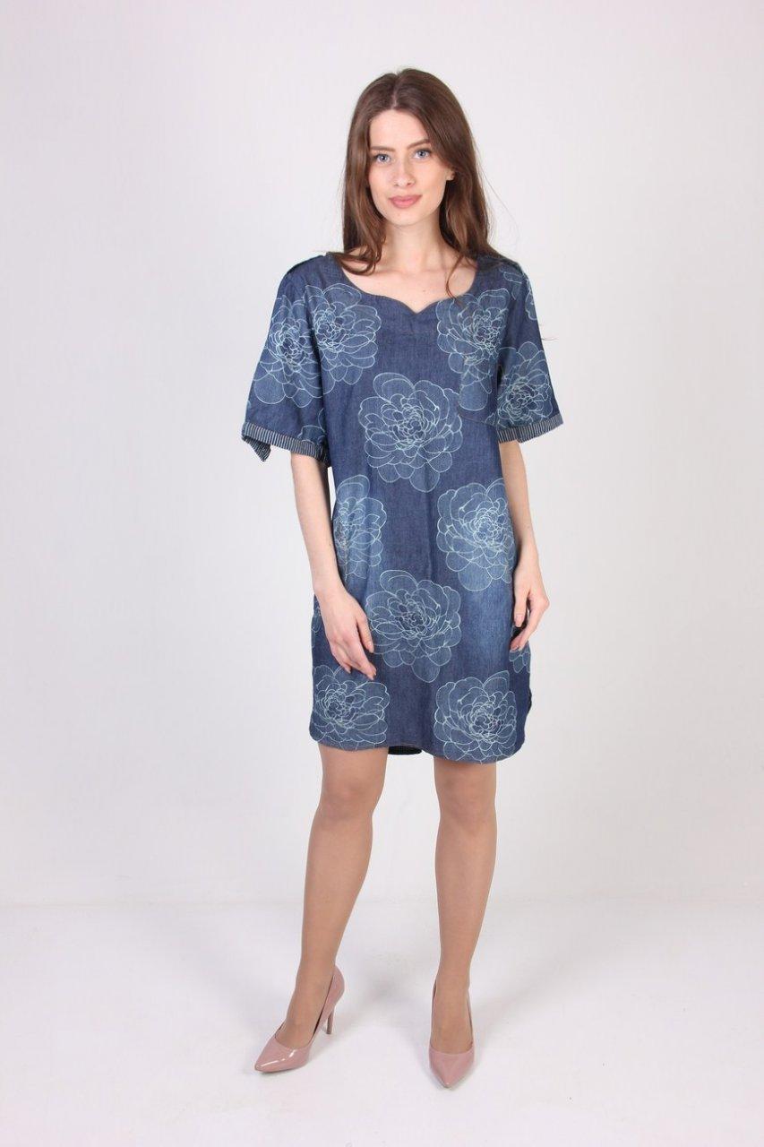 Модное платье темно-синего цвета, свободного кроя, с цветочным принтом