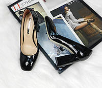 Туфли женские лаковые на устойчивом какблуке